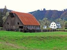 Elkton barn and farmhouse