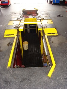 In-ground hoist