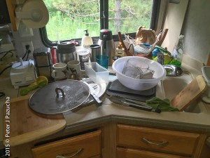 I TRY to make fewer dishes.  but don't always succeed.