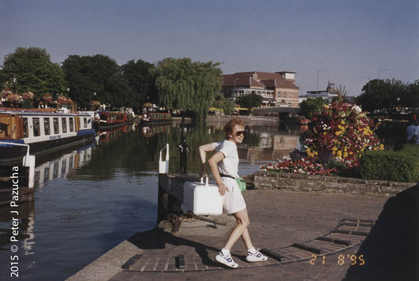 Peggy opening the lock near Stratford on Avon, whilst watching the narrow boats going by.
