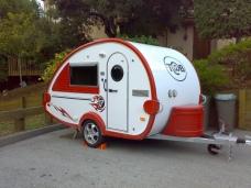 custom-made-teardrop-trailer-by-freshelectrons