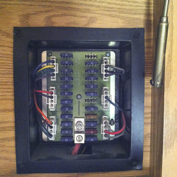 Fuse panel for 12 VDC