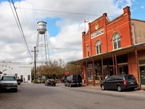 best-hill-country-towns-gruene-texas-rend-tccom-616-462
