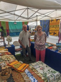 We met a fascinating couple originally from Nice France, and we ended up wtih a table cloth we hadn't planned on, but had a lovely conversation with them!